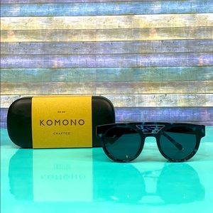 🌴New Women's KOMONO Black & Blue Sunglasses 🌴